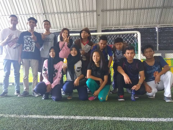 me and my friends in indonesian country, tanjungppinang city center after playing footsal and have a nice day... hopely we were always be happy ever after..... march/23-2017
