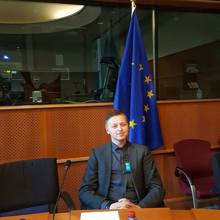 In the European Parliament, getting reading to work